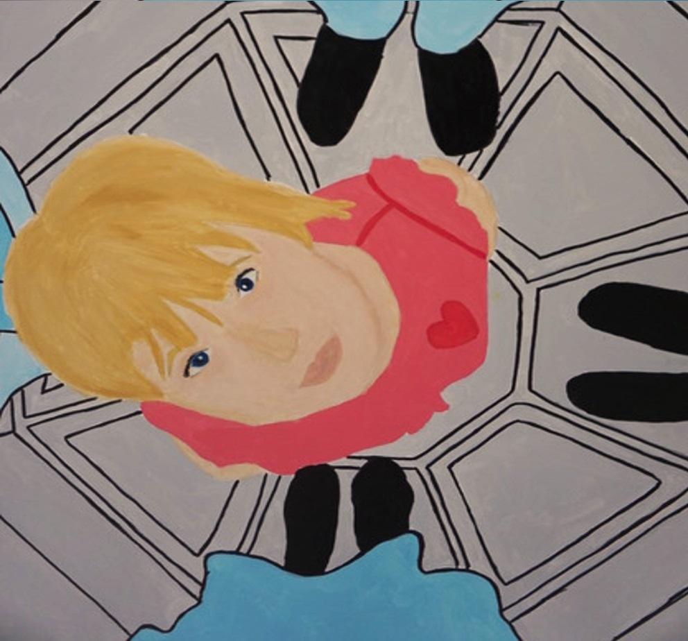 Young artist beskåret. Maleri med pige i lyserød bluse der kigger op.